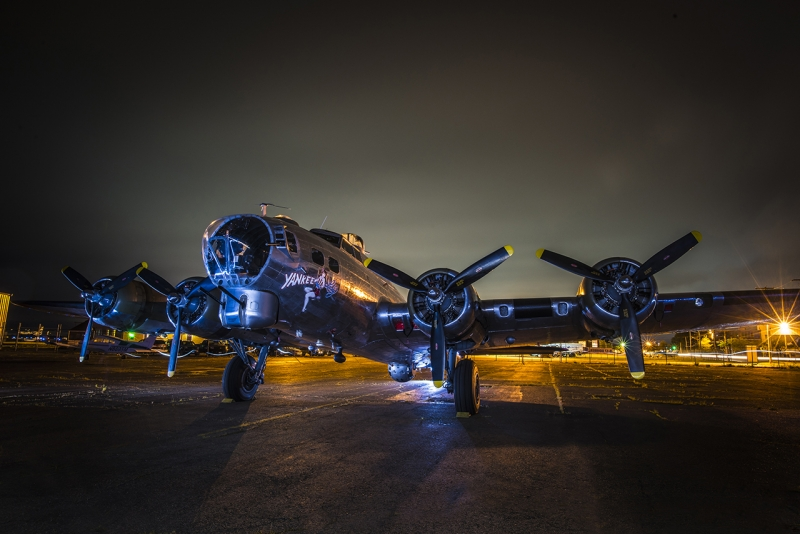 urban_ls_B-17-Flying-Fortress-visiting-The-Connecticut-Air&Space-Center-Stratford-April